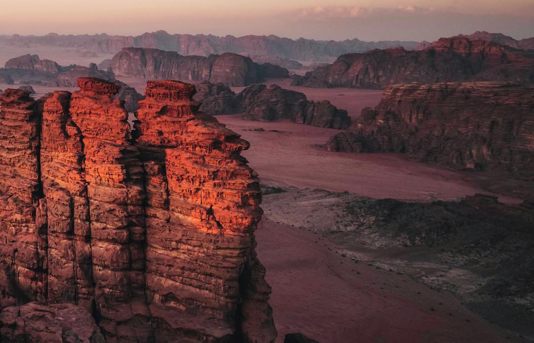 Инновационный город будущего The Line в Саудовской Аравии